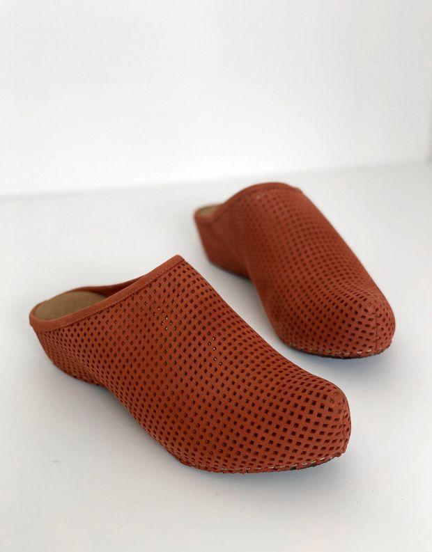 נעלי נשים - Vialis - כפכפים מחוררים LOLA - חמרה