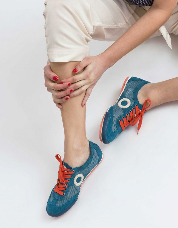 נעלי נשים - Aro - סניקרס JOANETA - כחול   אדום