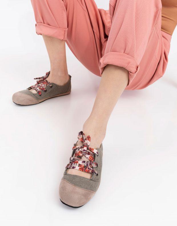 נעלי נשים - Komodo - נעל BALI שרוך צבעוני - חאקי