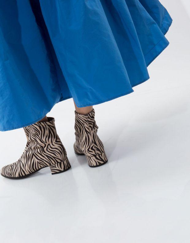 נעלי נשים - NR Rapisardi - מגפון POLIS - זברה