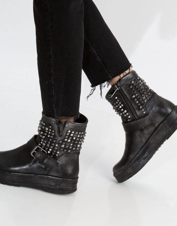 נעלי נשים - Crime London - מגפון DELUSION - שחור ניטים