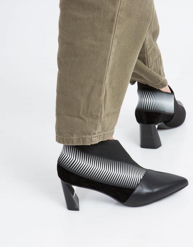 נעלי נשים - United Nude - מגפון ZINK POP MID - שחור לבן