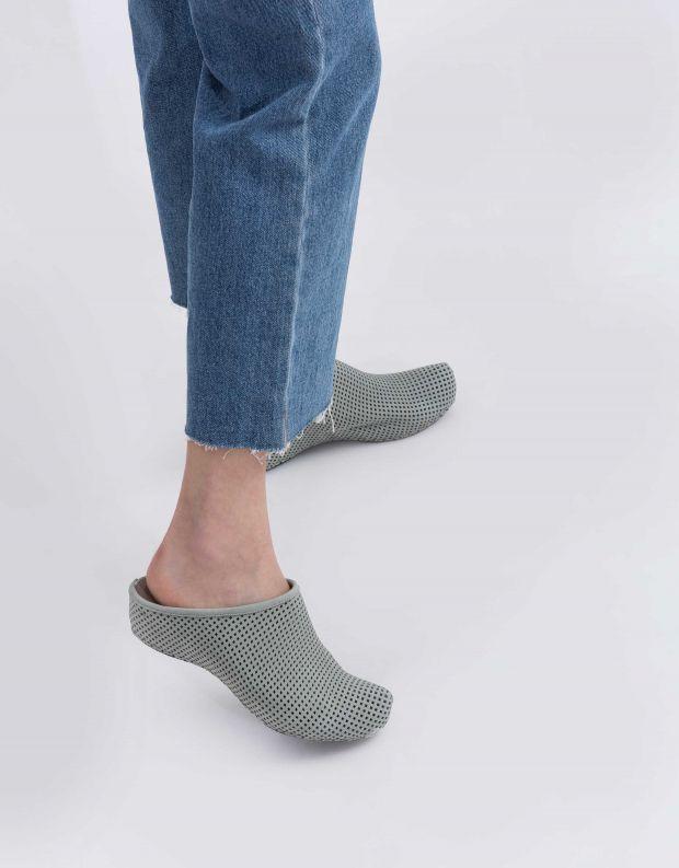 נעלי נשים - Vialis - כפכפים מחוררים LOLA - תכלת