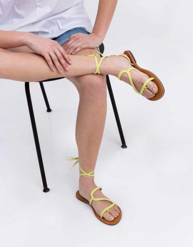נעלי נשים - Schutz - סנדל JOANA - צהוב