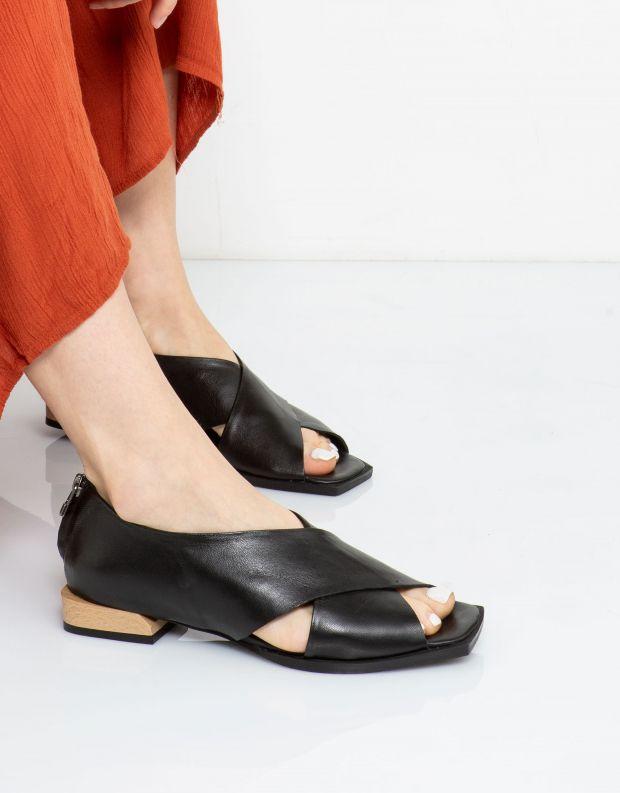 נעלי נשים - Yuko Imanishi - נעלי KURUMI - שחור