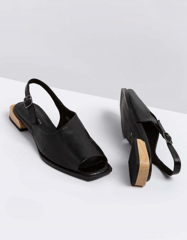 נעלי נשים - Yuko Imanishi - סנדלי KANNA - שחור