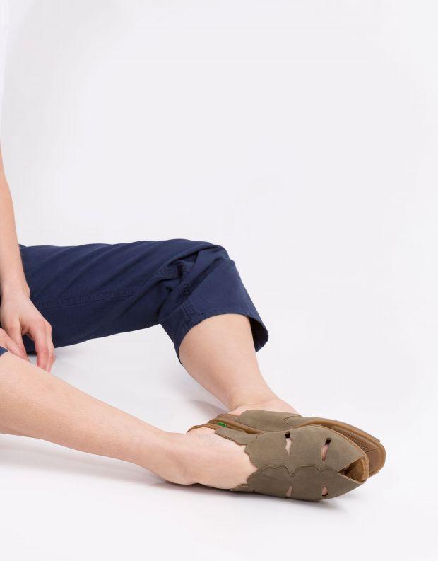 נעלי נשים - El Naturalista - קבקב STELLA חריצים - חאקי