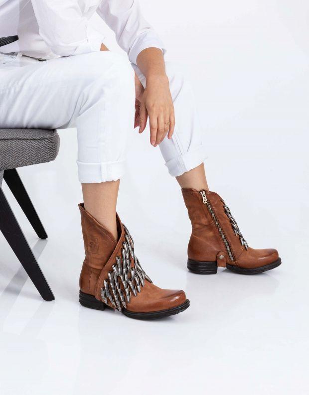 נעלי נשים - A.S. 98 - מגפונים עם נוצות SAINTEC - חום