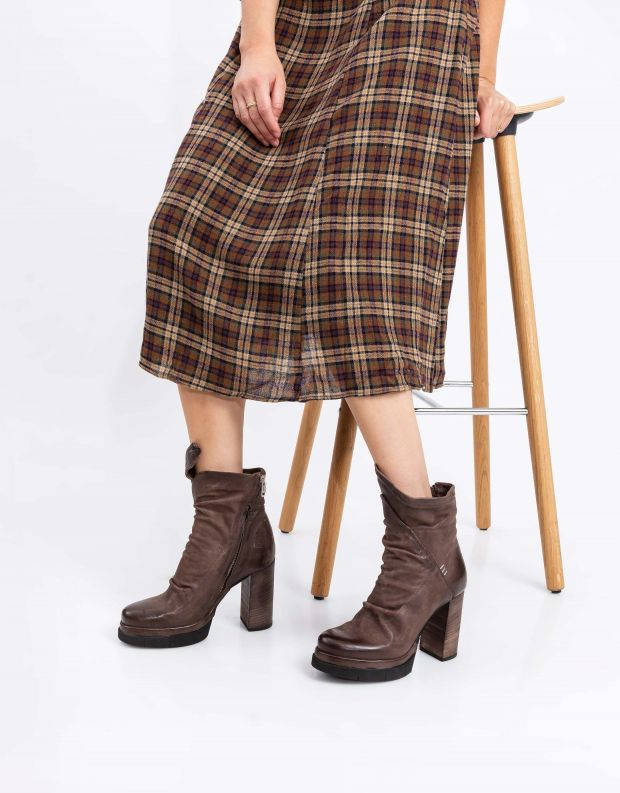 נעלי נשים - A.S. 98 - מגפוני עור עם עקב FENIS - חום