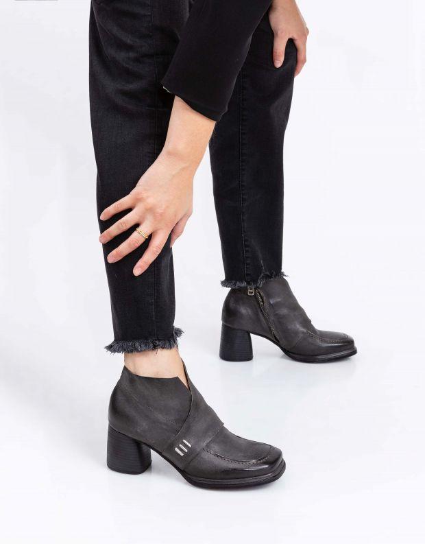 נעלי נשים - A.S. 98 - מגפונים עם עקב DIZA - אפור