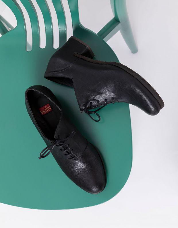 נעלי נשים - Vialis - נעליים סגורות STELLA - שחור