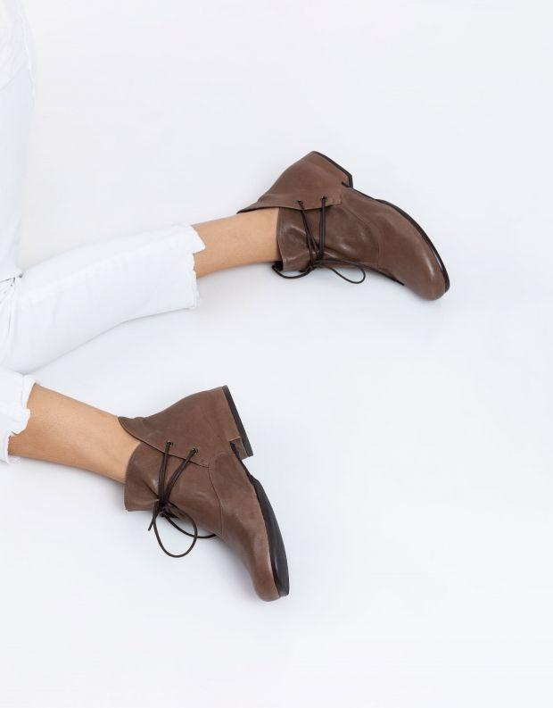 נעלי נשים - Vialis - מגפוני קשירה JAPON - חום