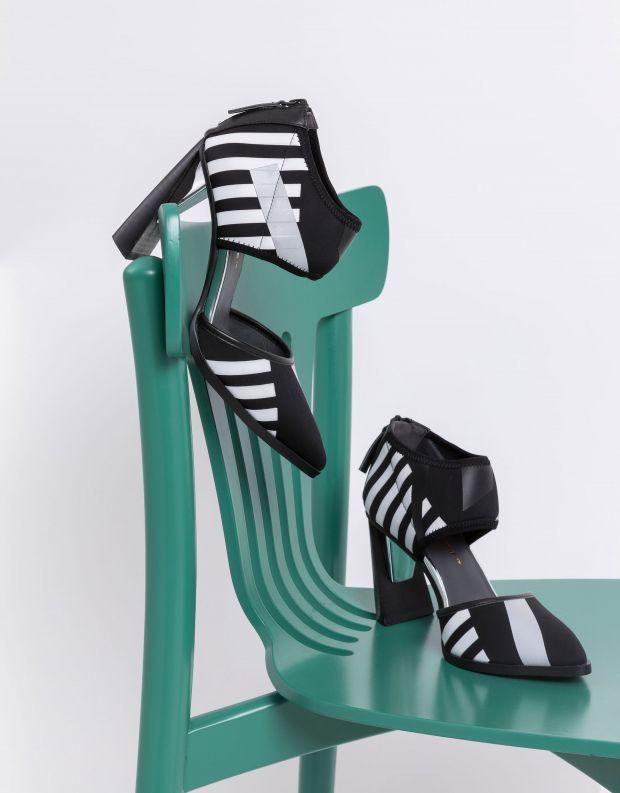 נעלי נשים - United Nude - נעלי עקב DORSEY CALLI - שחור לבן