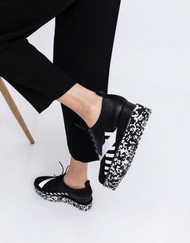 נעלי נשים - United Nude - נעלי פלטפורמה JUKO CALLI - שחור לבן
