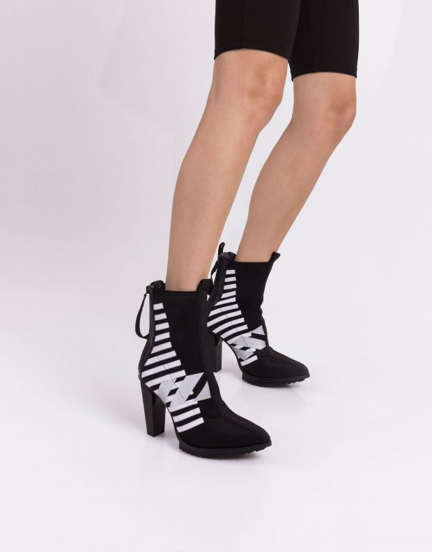 נעלי נשים - United Nude - מגפוני עקב LEV CALLI HI - שחור לבן
