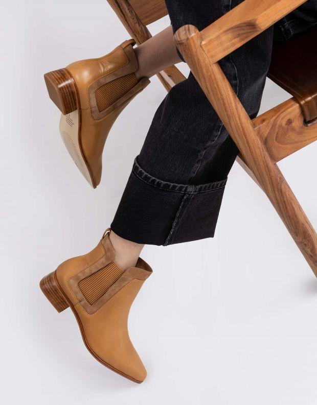 נעלי נשים - SOL SANA - מגפוני צ'לסי WAVERLY - אפרסק