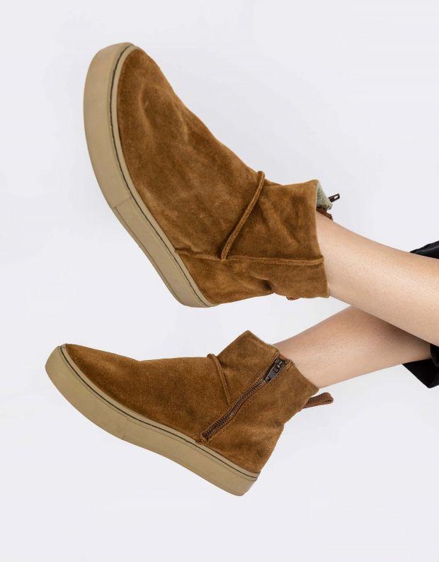 נעלי נשים - Satorisan - מגפוני זמש MERAKI LO - קאמל