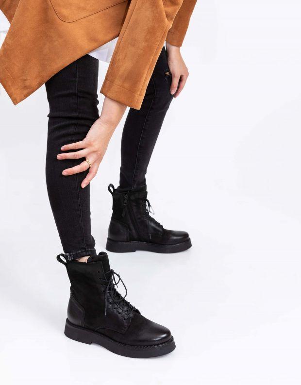 נעלי נשים - Mjus - מגפוני TRIPLE שרוך - שחור