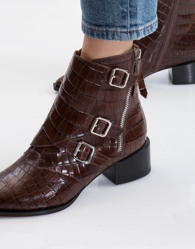 נעלי נשים - Jeffrey Campbell - מגפון DUCKI - חום