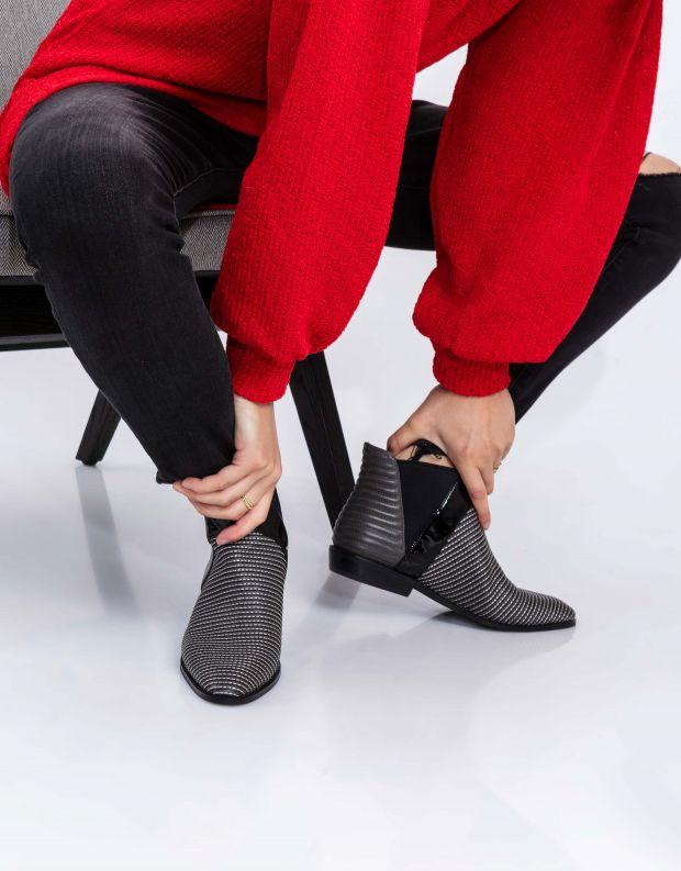 נעלי נשים - Jeffrey Campbell - מגפונים שטוחים JARROT - אפור כהה