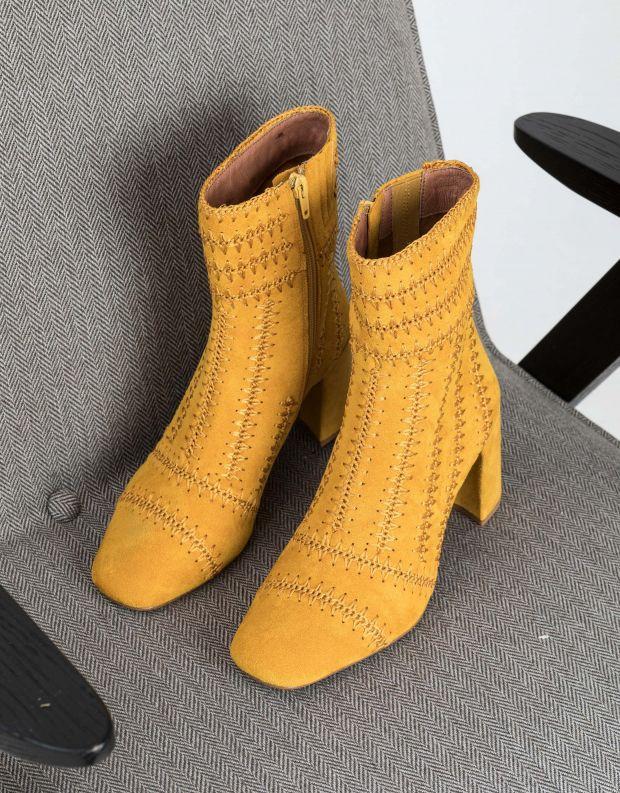נעלי נשים - Jeffrey Campbell - מגפוני תיפורים GRATEFUL - חרדל