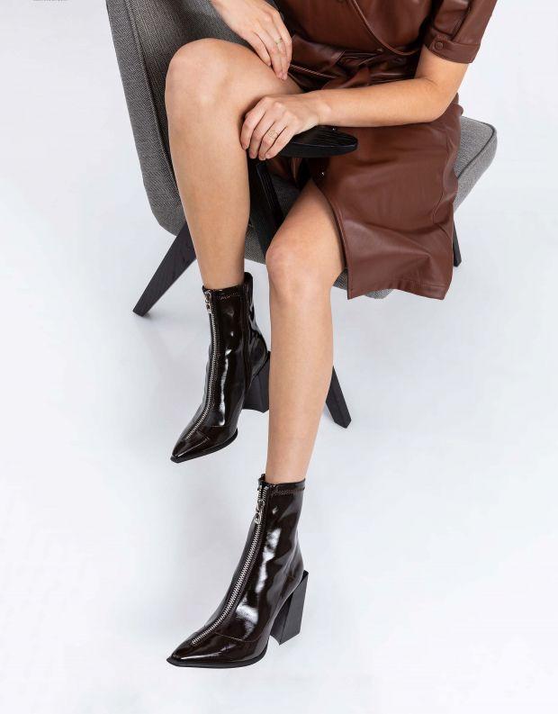 נעלי נשים - Jeffrey Campbell - מגפוני לק רוכסן LA SIREN - חום