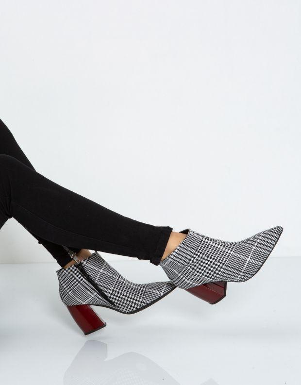 נעלי נשים - Jeffrey Campbell - מגפון TOTAL - שחור לבן