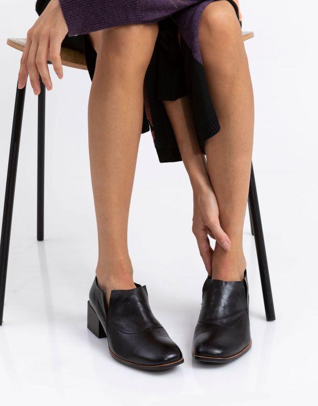 נעלי נשים - Yuko Imanishi - נעליים סגורות HAZUKI - שחור