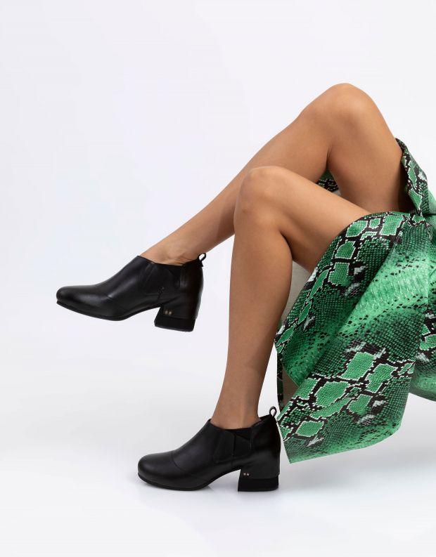 נעלי נשים - Yuko Imanishi - נעליים סגורות ANN - שחור