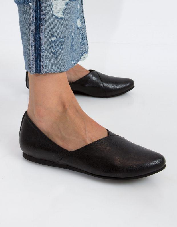 נעלי נשים - Yuko Imanishi - נעל IBUKU - שחור