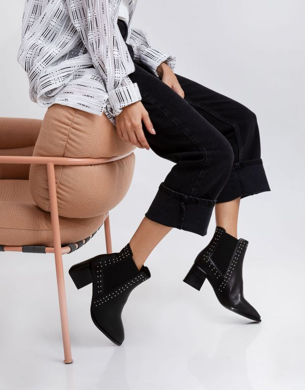 נעלי נשים - SOL SANA - מגפוני צ'לסי ATTICUSניטים - שחור ניטים