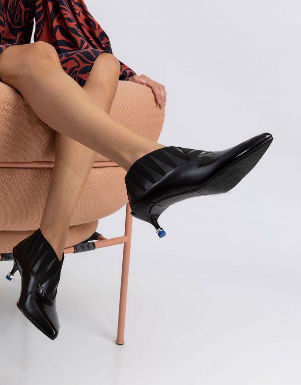 נעלי נשים - United Nude - מגפוני עקב COLLAR MID - שחור