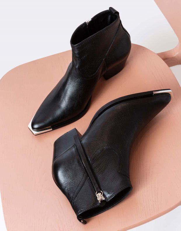 נעלי נשים - Schutz - מגפוני בוקרים TRACI - שחור