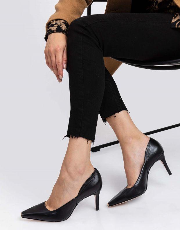 נעלי נשים - Schutz - נעלי סירה JOEL - שחור