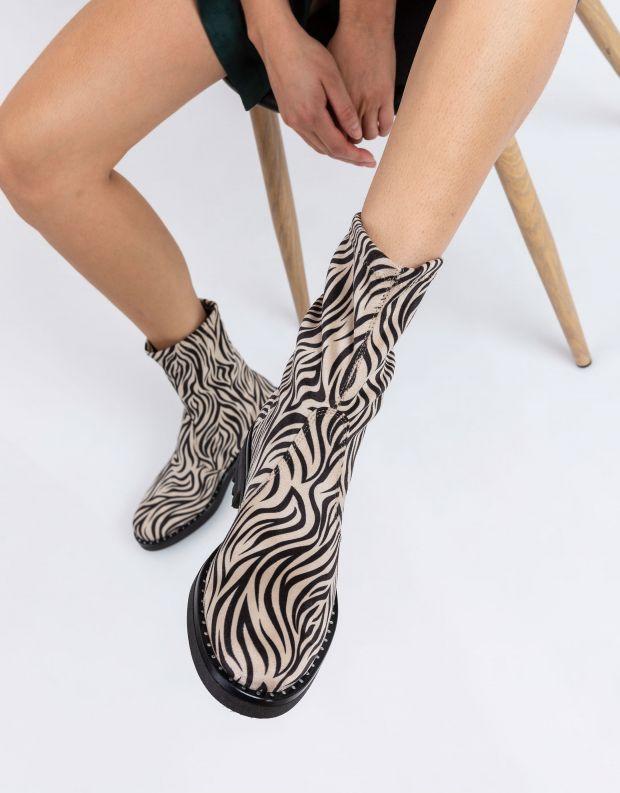 נעלי נשים - NR Rapisardi - מגפון IDRA - זברה
