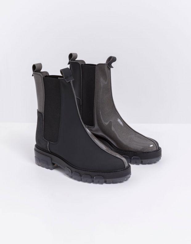 נעלי נשים - NR Rapisardi - מגפונים טבעוניים ILMA - שחור אפור