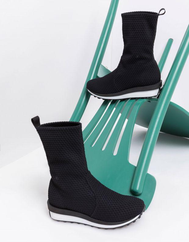 נעלי נשים - NR Rapisardi - מגפונים טבעוניים BUIA - שחור