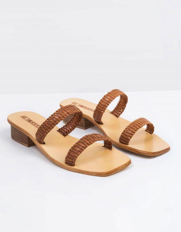 נעלי נשים - SOL SANA - כפכפים DYLAN עם עקב נמוך - קאמל