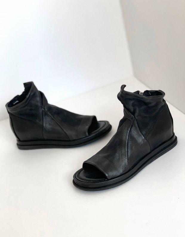 נעלי נשים - A.S. 98 - סנדלים סגורים POLA - שחור