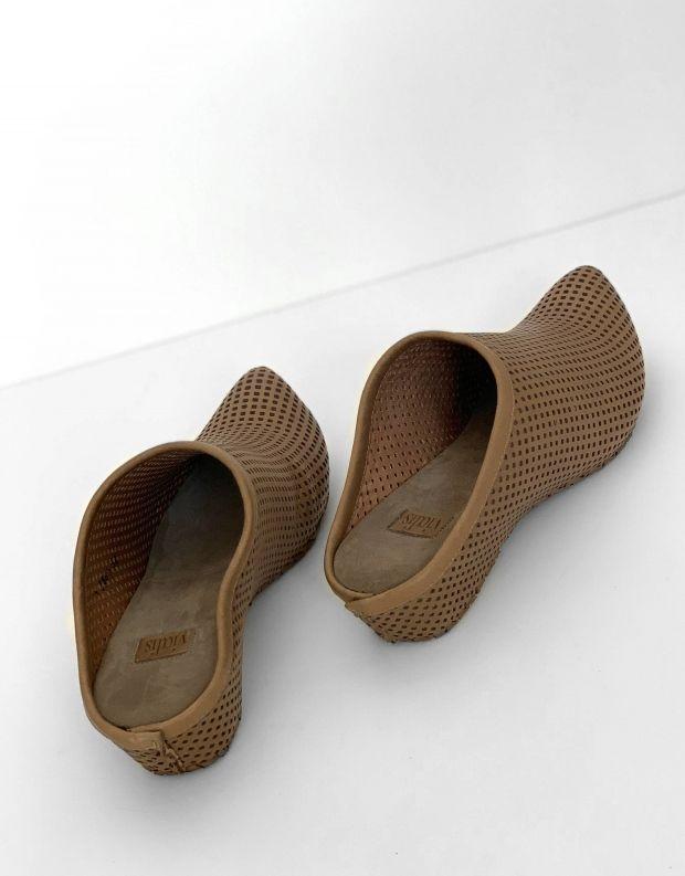 נעלי נשים - Vialis - כפכפי עור מחוררים LOLA - אפור