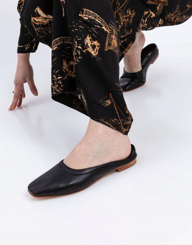 נעלי נשים - SOL SANA - כפכפים שטוחים סגורים HALL - שחור