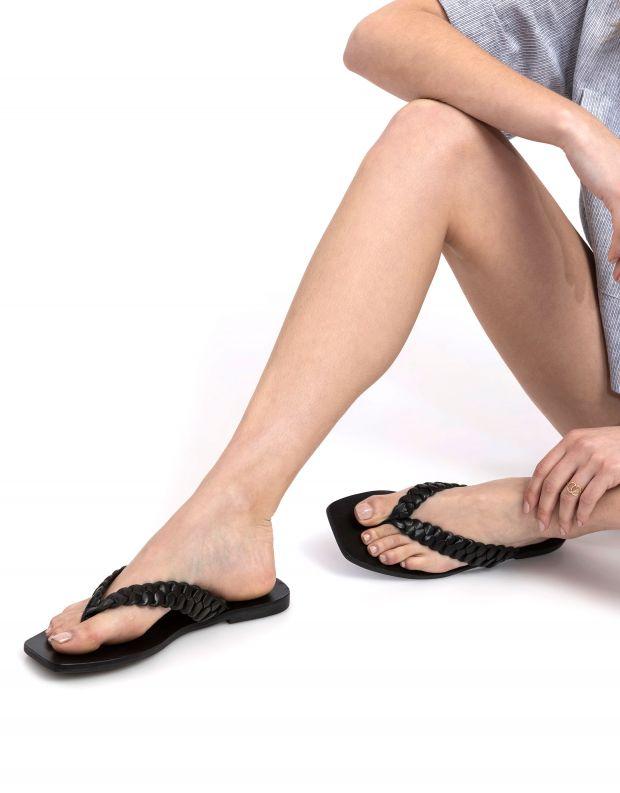 נעלי נשים - SOL SANA - כפכפי אצבע שטוחים LOTUS - שחור