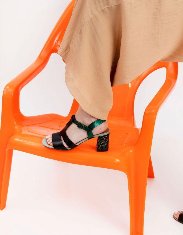 נעלי נשים - Chie Mihara - סנדלי עקב LURATA - שחור