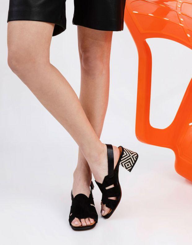 נעלי נשים - Chie Mihara - סנדלים OPRA - שחור