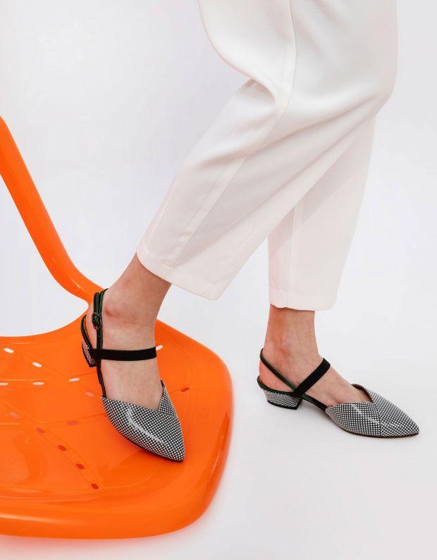 נעלי נשים - Chie Mihara - סנדל ROMANE - משבצות