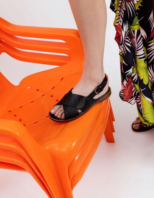 נעלי נשים - Chie Mihara - סנדלי איקס שטוחים WAN - שחור