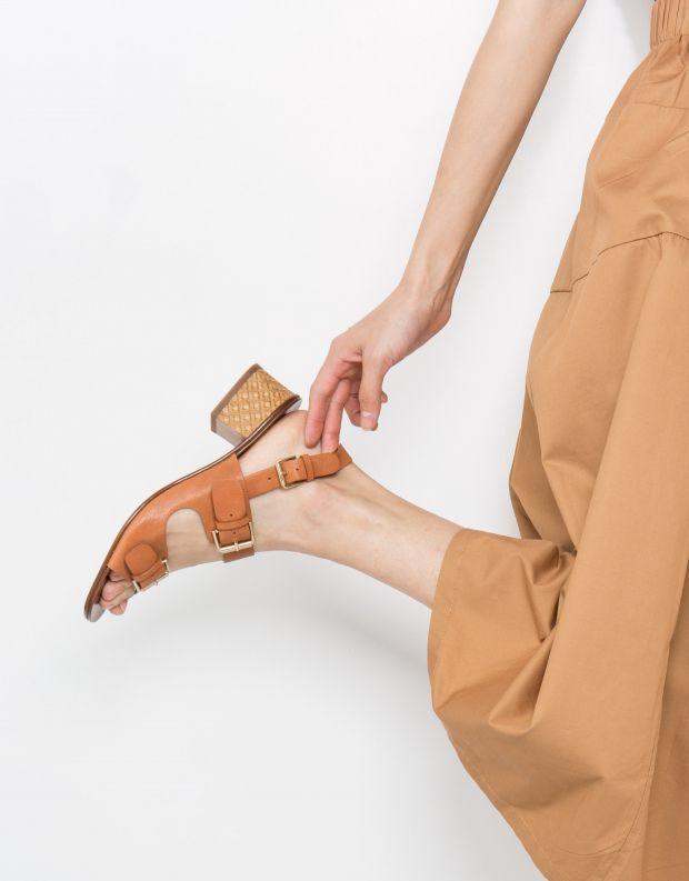 נעלי נשים - Chie Mihara - סנדל QUERINA - קאמל