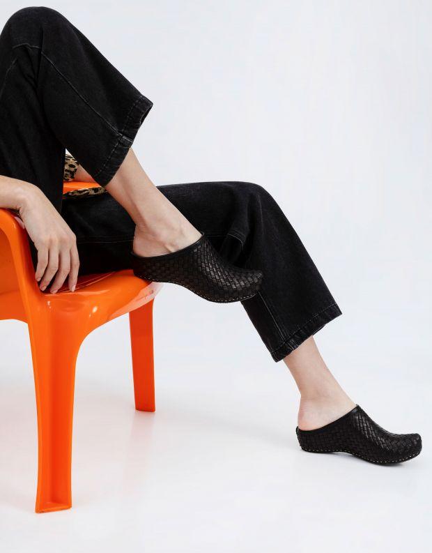 נעלי נשים - Vialis - כפכפי עור קלועים LOLA - שחור