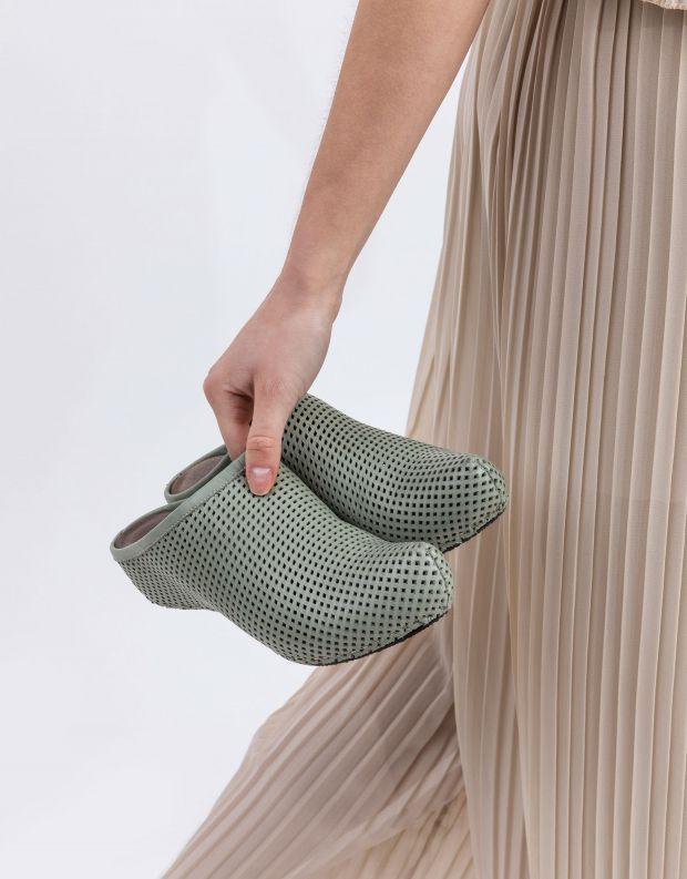 נעלי נשים - Vialis - כפכפי עור מחוררים LOLA - מנטה