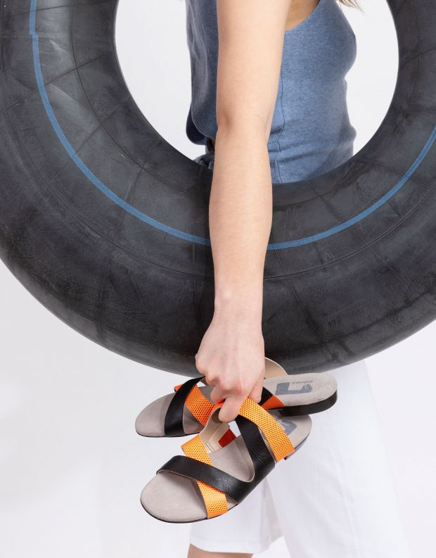 נעלי נשים - Shoemaker - כפכפי רצועות FLASH - שחור כתום